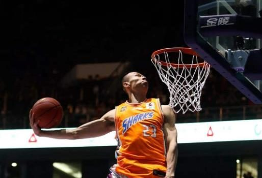 CBA拉文入围国奥男篮大名单,赛季场均7+4成上海男篮希望之星