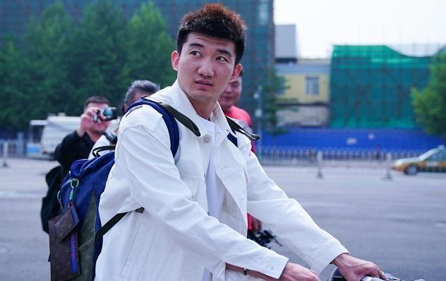 中国男篮后卫线竞争激烈,CBA扣篮王恐难