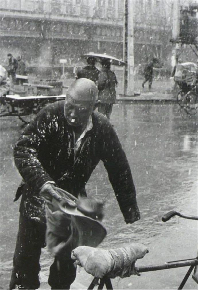 老照片中的歷史瞬間,定格1954年的老北京街頭