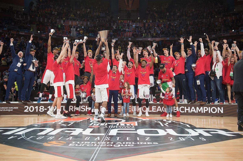 NBA失意人率队勇夺欧冠冠军还当选MVP