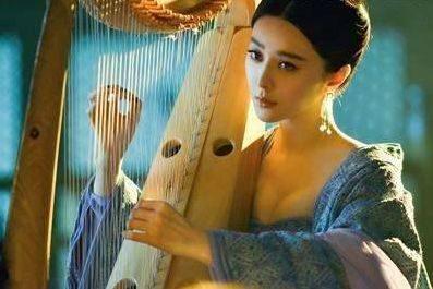 历史上四大美女之一的杨玉环,受宠多年为何没留下子嗣