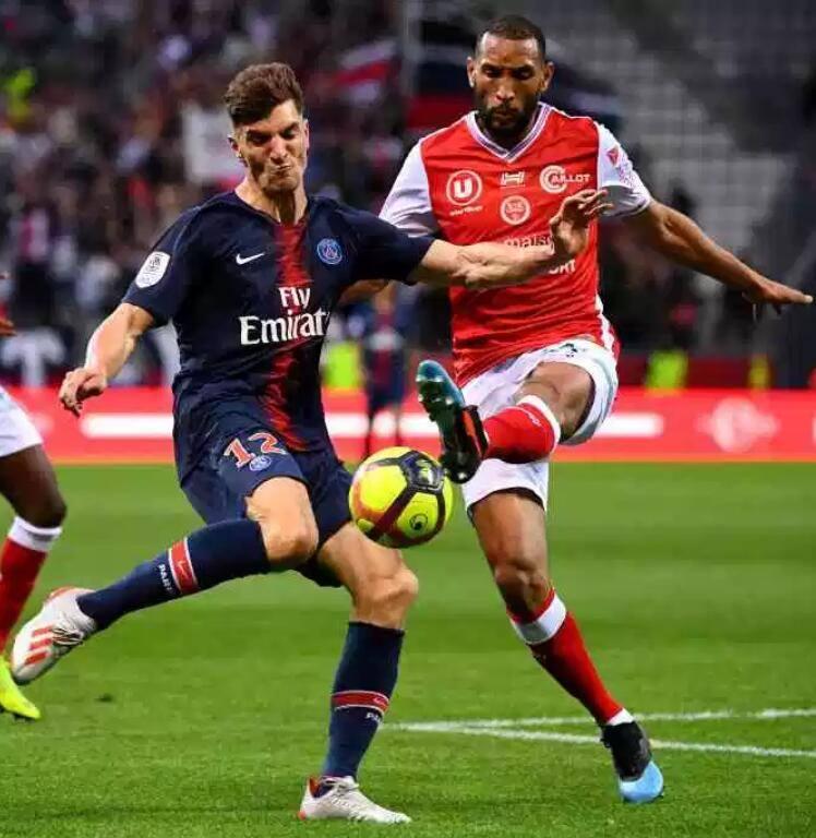 曼联铁杆球迷恐也拒绝加盟!称大巴黎欧冠输