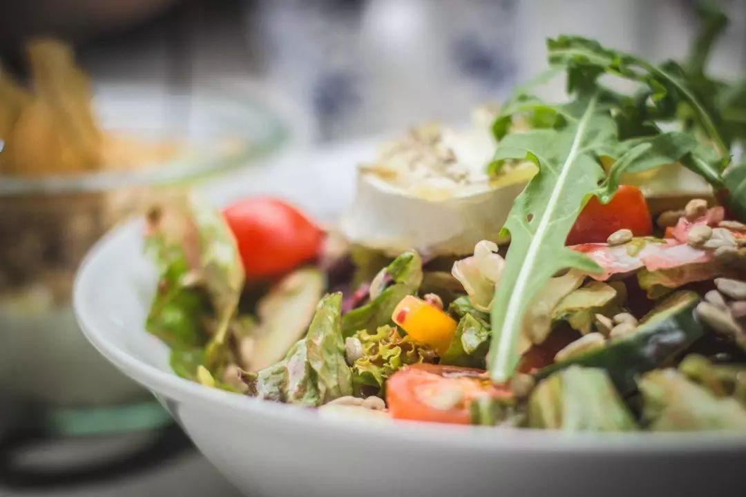 """别人告诉你""""吃沙拉可以减肥&am"""