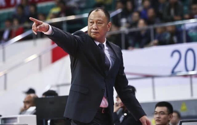 CBA鱼腩球队官宣更换教练组,辽宁男篮名