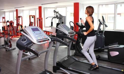 明明在操場跑步就行,為什麼還有人願意花錢去健身房健身?