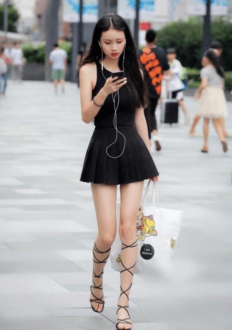 时尚街拍:岁月给辣妈留下了什么?