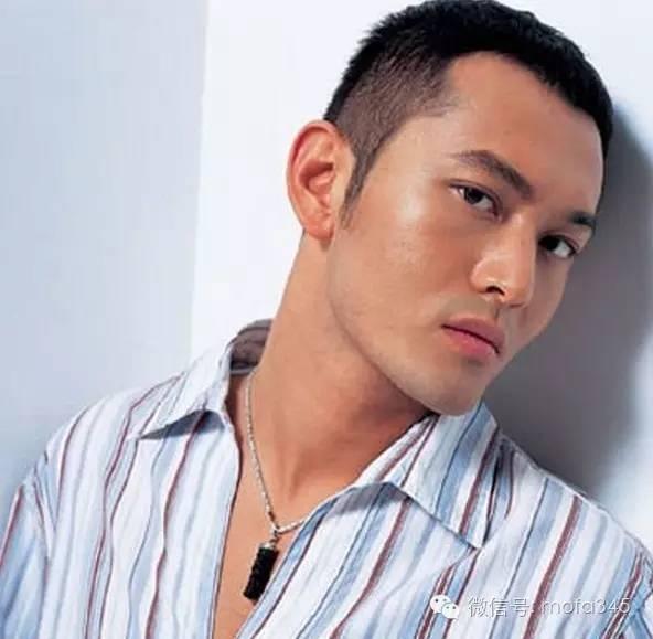 男生无刘海短发发型设计,充满了神秘和时尚气场的魅力感觉