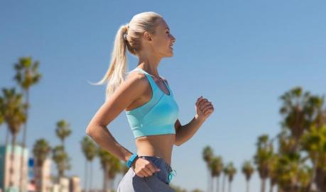 健身兩個多月,胸肌、腿部肌肉都有出形,但是啤酒肚子一直減不下來怎麼辦?