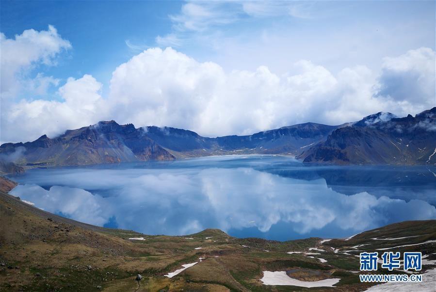 長白山景區迎來旅游旺季