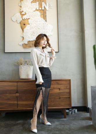 黑色裙子配什么颜色鞋子更加时尚好看呢?