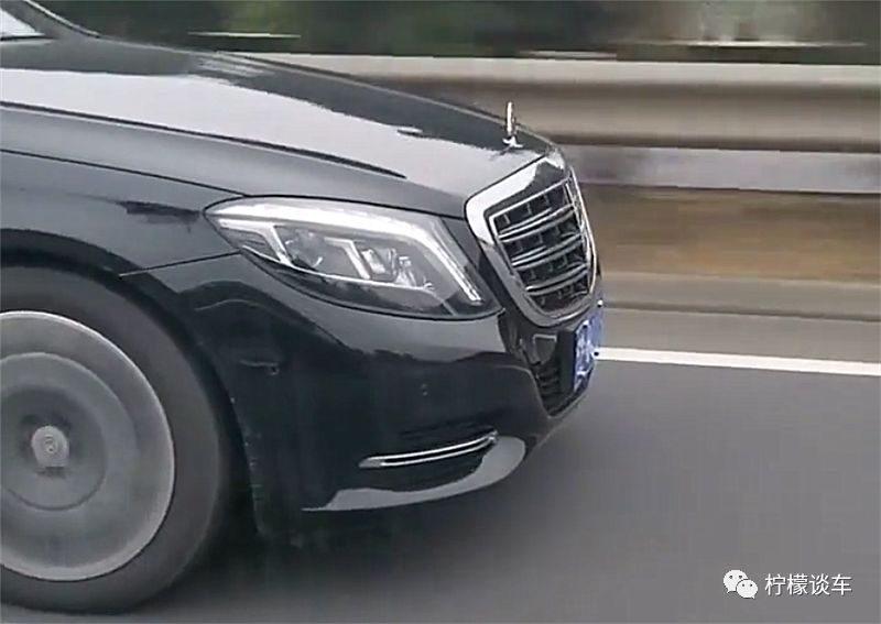 146万迈巴赫S400现高速,车型加价14万,单单车牌就值8万