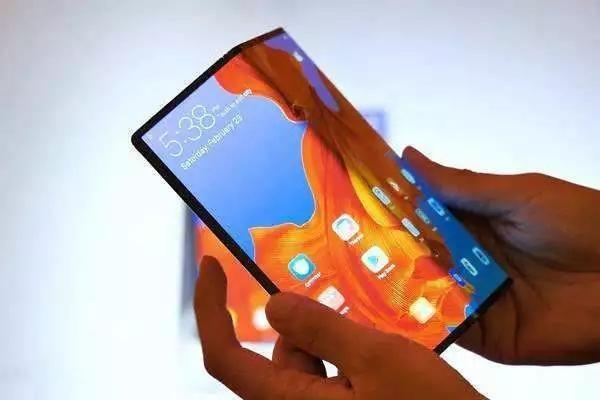 華為折疊手機推遲三個月上市