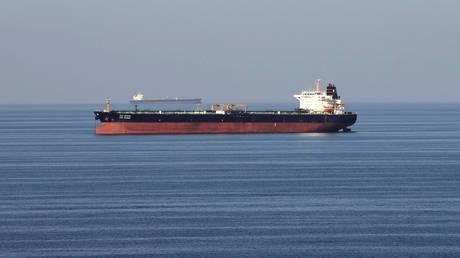 """伊朗把2000万桶原油存在中国后,中国发现亿吨级的石油""""稀土""""油田"""