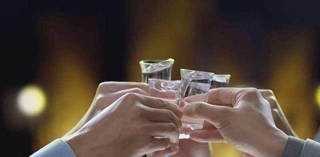 每天都喝白酒,能夠有效的預防癌癥?養生專家終于說出了事實