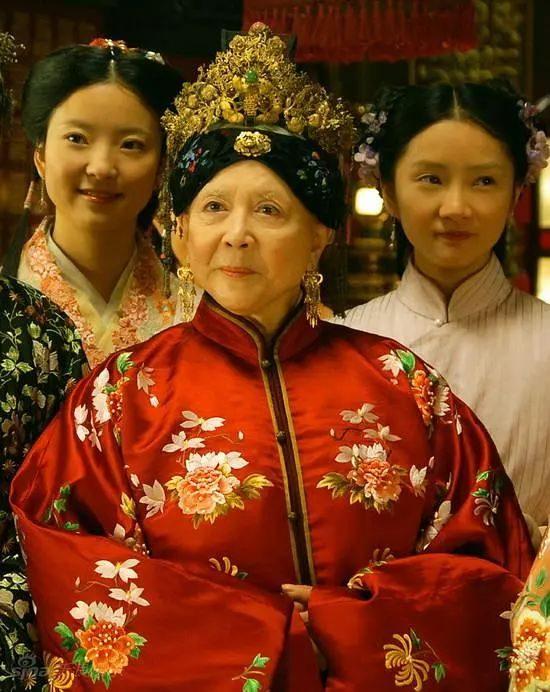 她第一个把东方女人形象带入好莱坞电影,却拒绝做一个贤妻良母