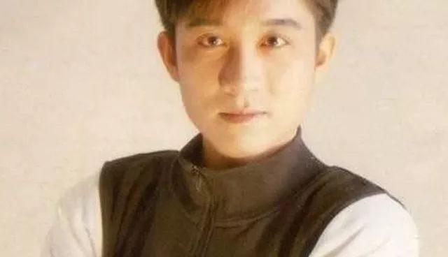知名歌手江明學自殺身亡,半月前一次發文引熱議,那時就有苗頭了