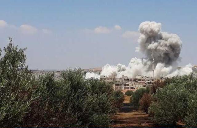 戰斗在半夜打響!敘俄聯軍接到總攻命令,土耳其下令叛軍不準后退