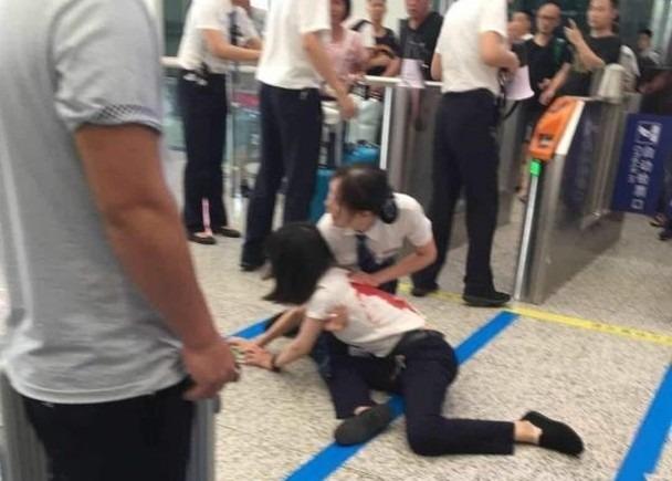 深圳北站血案 女乘客未趕上列車捅傷客運員