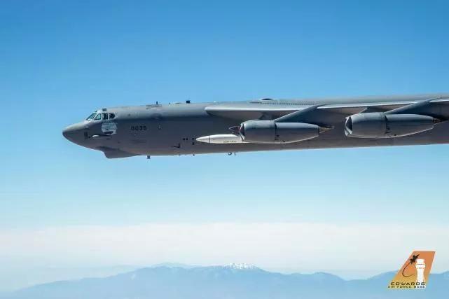 美國最快導彈從本土發射,7分鐘能打到亞太,同時對兩國發出警告