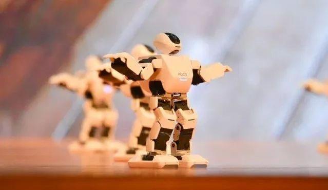 乐聚机器人完成由洪泰基金联合领投的2.5亿元B轮融资