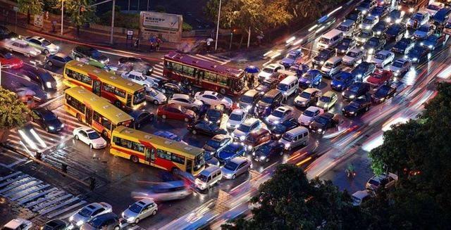 新能源汽车继续享免征购置税 / 多家车企旗下新能源车型不涨价