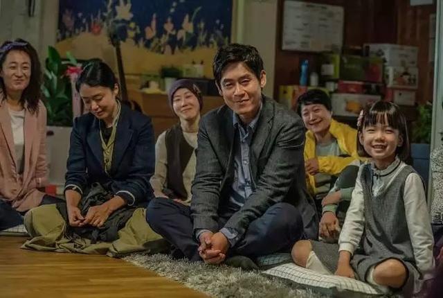 现实比电影残忍!这部韩国催泪新片告诉你,活着的人更像在地狱里