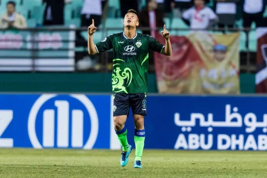 定了?亚冠连续打爆中国球队的韩国196中锋,即将加盟中超!