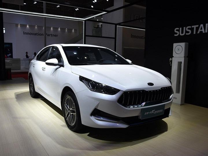 新车X问 | 百公里综合油耗仅为1.0L 起亚k3 PHEV能否成为家族的爆款车型?