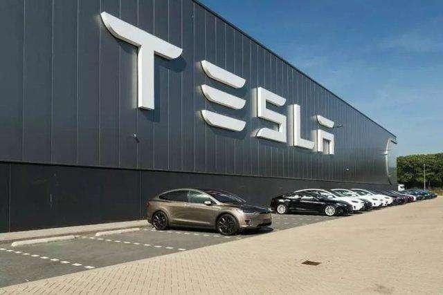 2019年1-6月,特斯拉三款车型在中国一共上牌21830辆