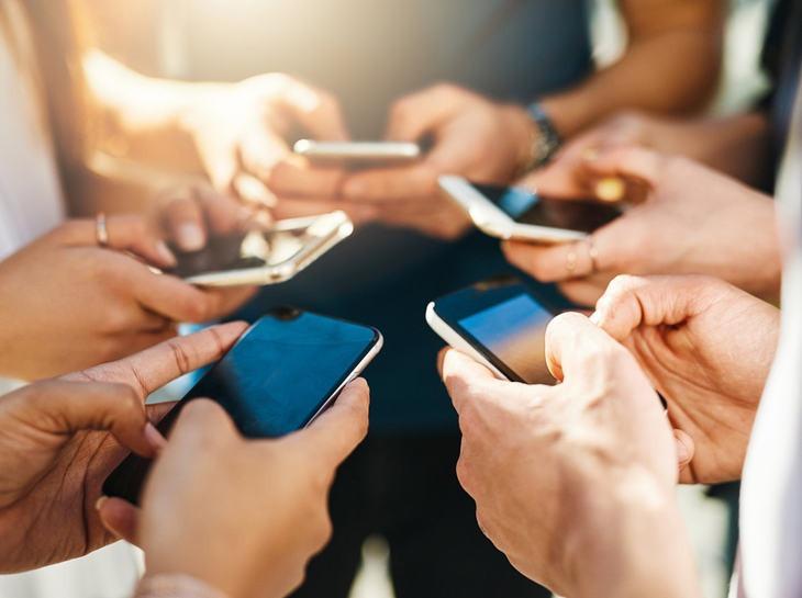 現在買手機?損失一個億!4G手機統統降價,也不準買!