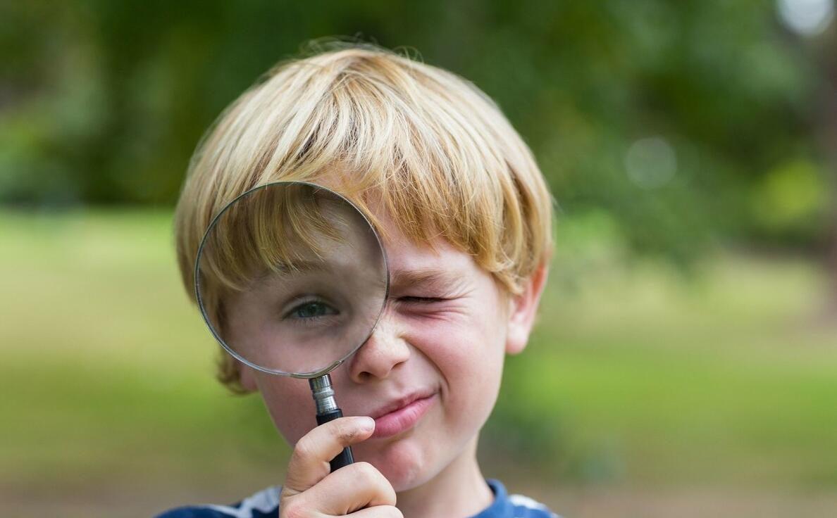 """""""妈妈,你咋又在看手机?""""想让孩子学会自律,家长先要管好自己"""