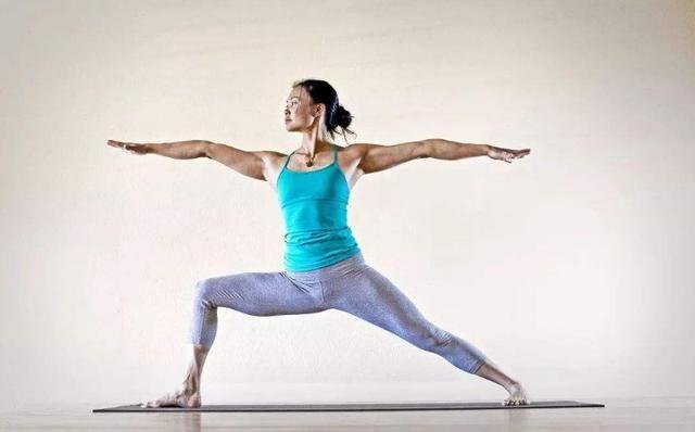 上海想找个代孕生孩子:韩国瑜伽女神,与母亲合照像姐妹,网友:运动健身真