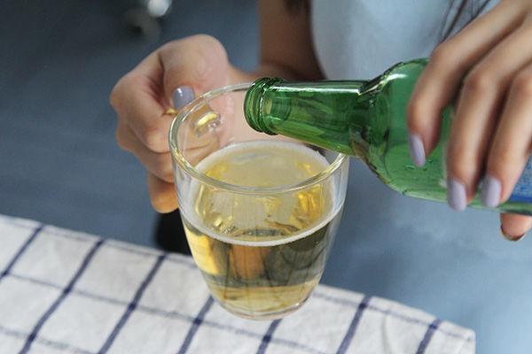 每天一瓶啤酒的人,身体会有哪些变化?看后涨知识了
