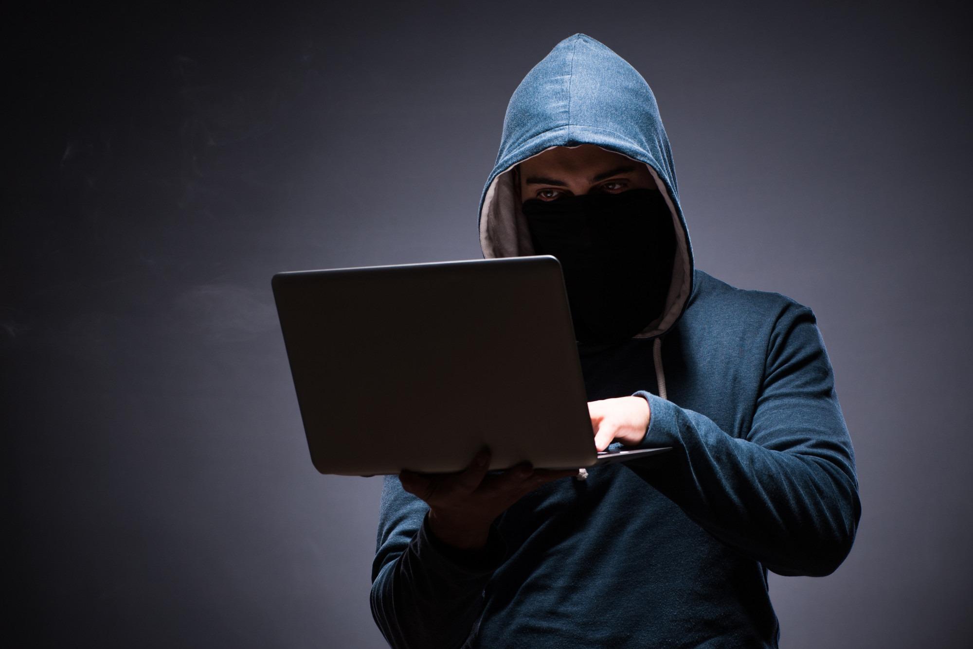 逼死上市公司,让星巴克赔了1000万!这群人正在荼毒中国互联网