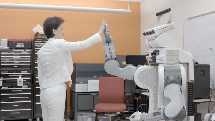 女性更易被人工智能抢饭碗?人工智能真会带来失业潮吗?