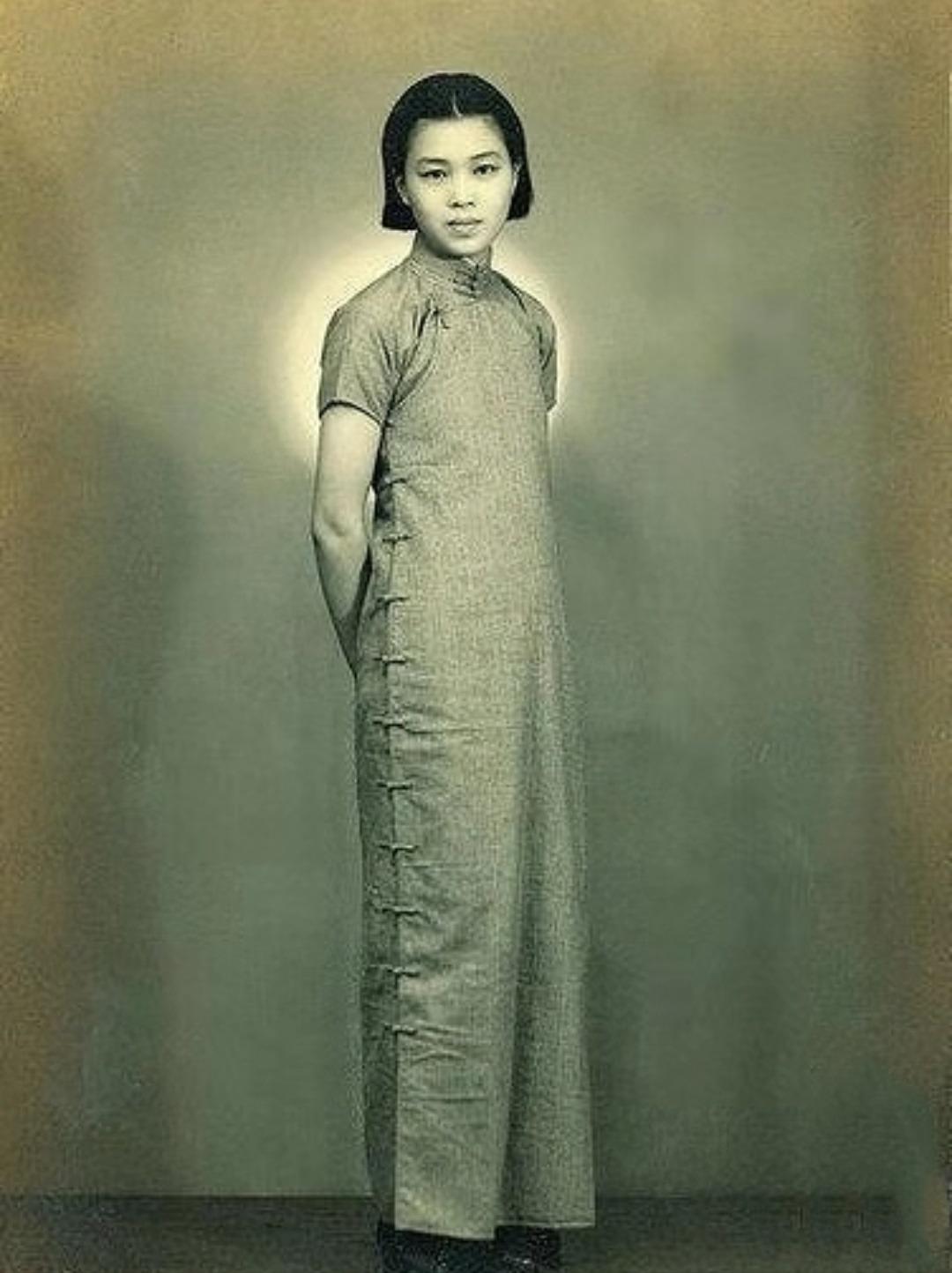 老照片:11张民国美女罕见照,身材苗条,个个都很漂亮!