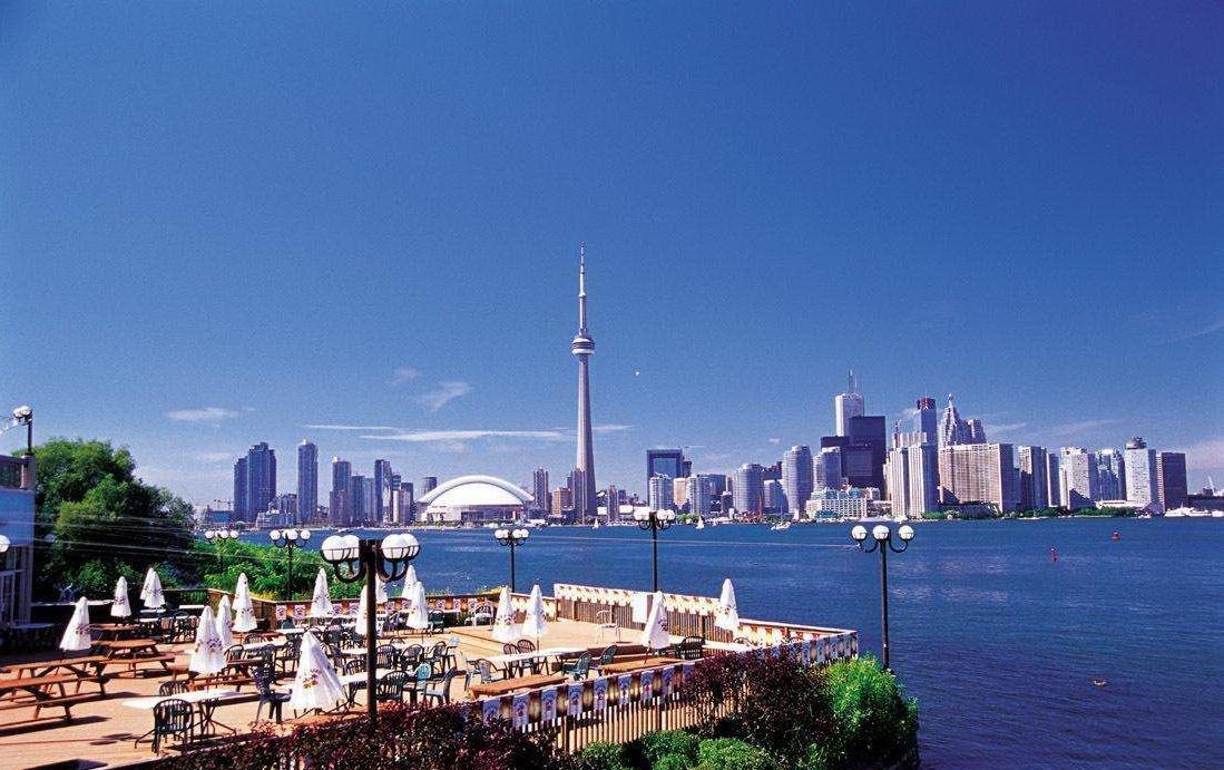 全球最宜居城市、拥有100多个民族移民的多伦多,旅游应该怎么玩?