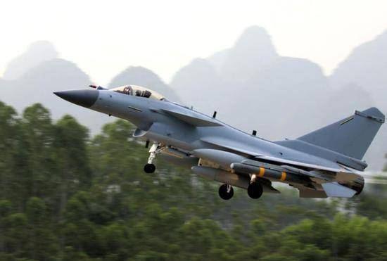 """歼10C出厂试飞照曝光,将装备自己的中国芯 """""""