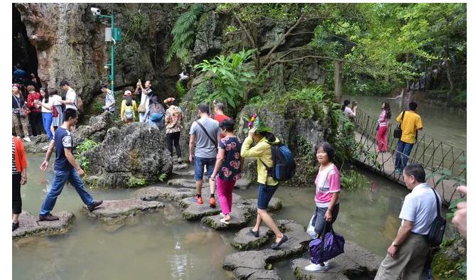 惋惜贵州黄果树景区不幸遇难的母子,开心游玩的重要前提?#21069;?#20840;