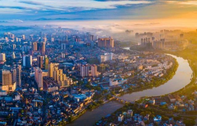 """这座被低估的城市,随着国家的重视,有可能成为广西的""""深圳"""""""