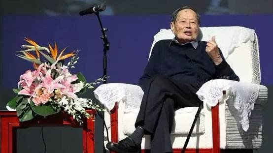 李政道等人主张建造大型对撞机,杨振宁为何反对?