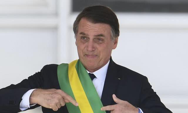 巴西总统呛声马克龙:先收回对我的侮辱言论,再谈援助救火的事