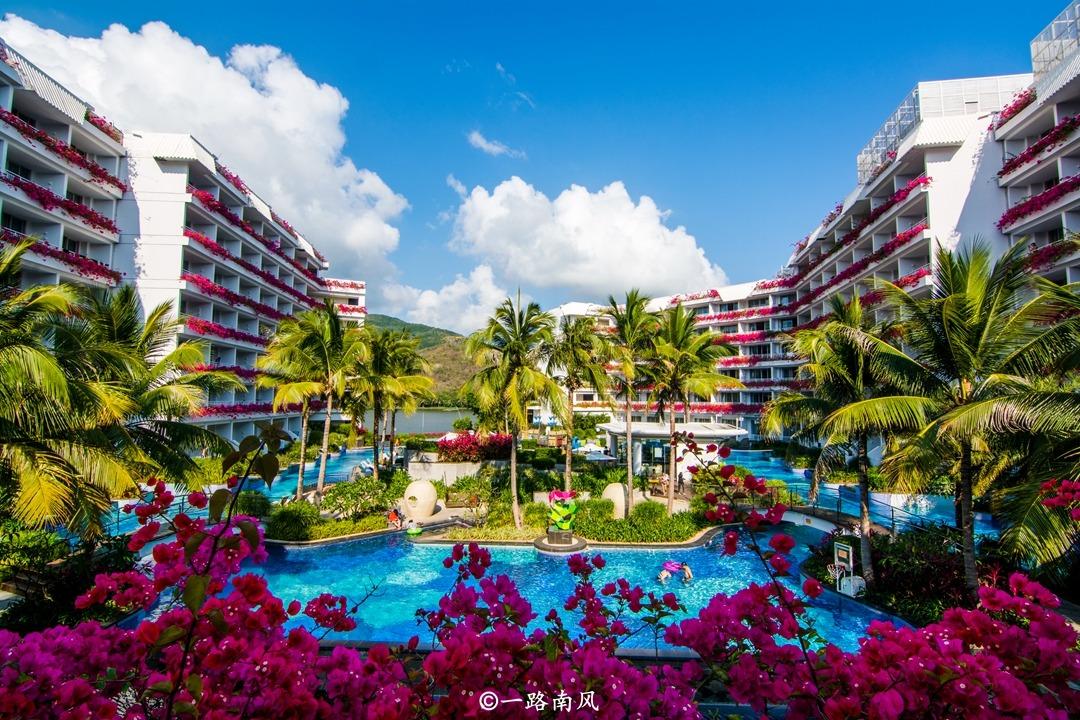 福建和海南最受欢迎的城市,一年四季游客众多,也是国外游客必打卡之地!
