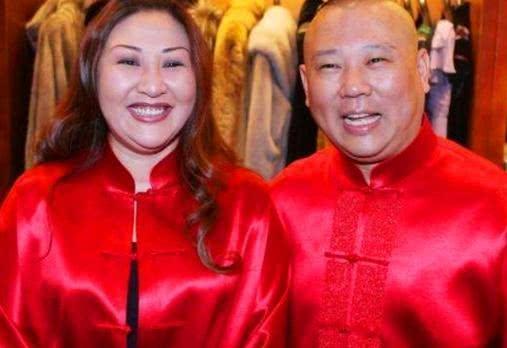 郭德纲前妻胡中惠首度曝光,慈眉善目,跟儿子郭麒麟长得太像了