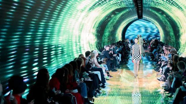 突破时尚与科技的界
