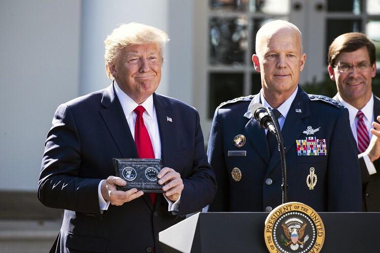 """美国太空司令部成立 明年组建太空军 特朗普称""""游戏打法不同了"""""""