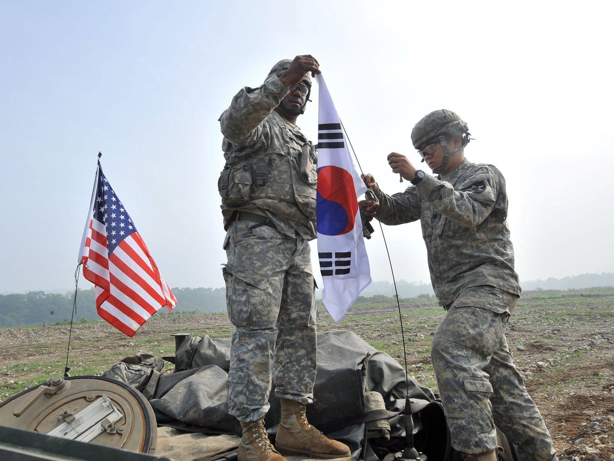 韩国突然向白宫翻脸!没收26座美军基地,勒令美国缴纳巨额罚款