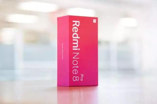 就是不让你Redmi顺利发新品,realme火线曝光新机