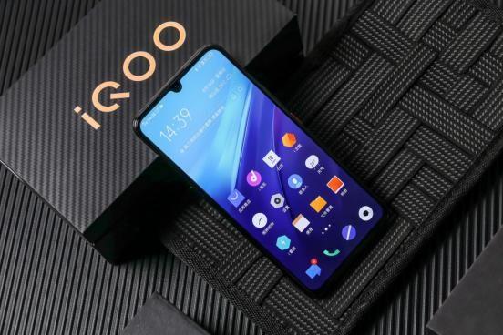拥有全球多个第一,iQOO Pro 5G版是目前首款配备Hi-Fi的5G手机
