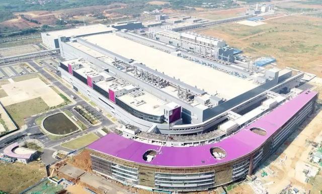 中国半导体关键一战!长江存储64层芯片正式量产,打破国际垄断